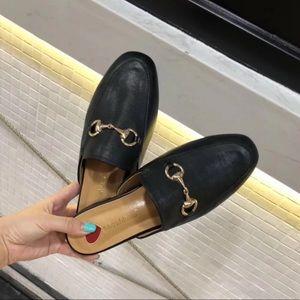 Black slip on slide mules 6-6.5